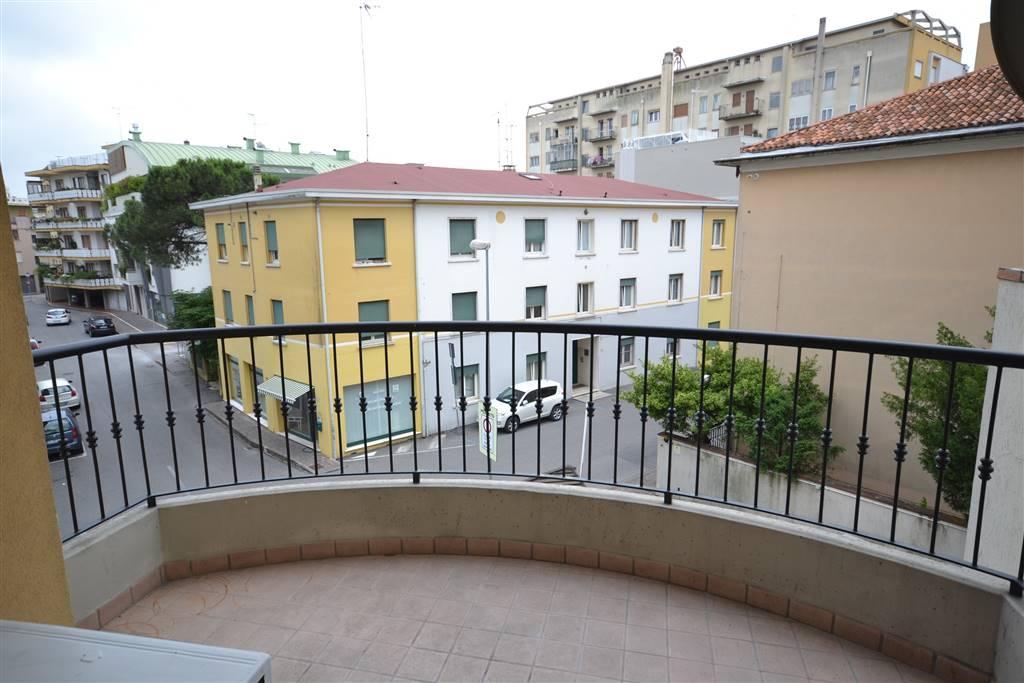 Appartamento in vendita a San Donà di Piave, 4 locali, zona Località: SAN DONA' DI PIAVE, prezzo € 145.000 | Cambio Casa.it