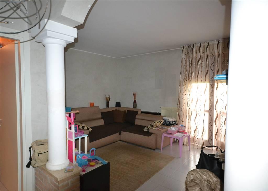 Appartamento in vendita a Eraclea, 5 locali, zona Zona: Ponte Crepaldo, prezzo € 115.000 | CambioCasa.it