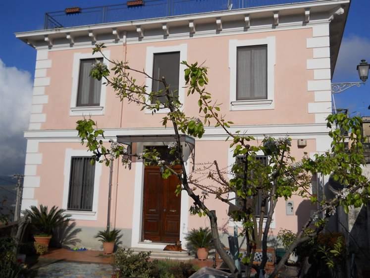 Villa in vendita a Salerno, 10 locali, zona Zona: Ogliara, prezzo € 560.000 | Cambio Casa.it