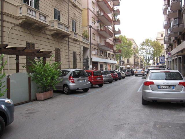 Soluzione Indipendente in vendita a Palermo, 10 locali, zona Zona: Politeama, Trattative riservate | Cambio Casa.it