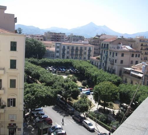 Attico / Mansarda in affitto a Palermo, 4 locali, zona Zona: Politeama, prezzo € 830 | Cambio Casa.it