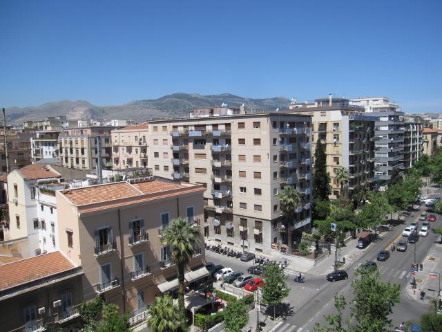 Attico / Mansarda in affitto a Palermo, 5 locali, zona Zona: Libertà, prezzo € 950 | Cambio Casa.it