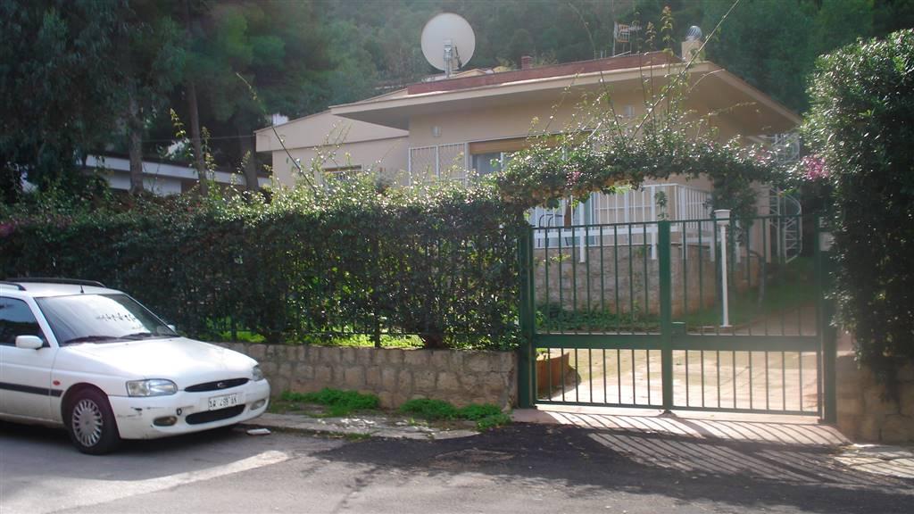 Villa in affitto a Palermo, 5 locali, zona Località: ADDAURA, prezzo € 1.200 | Cambio Casa.it
