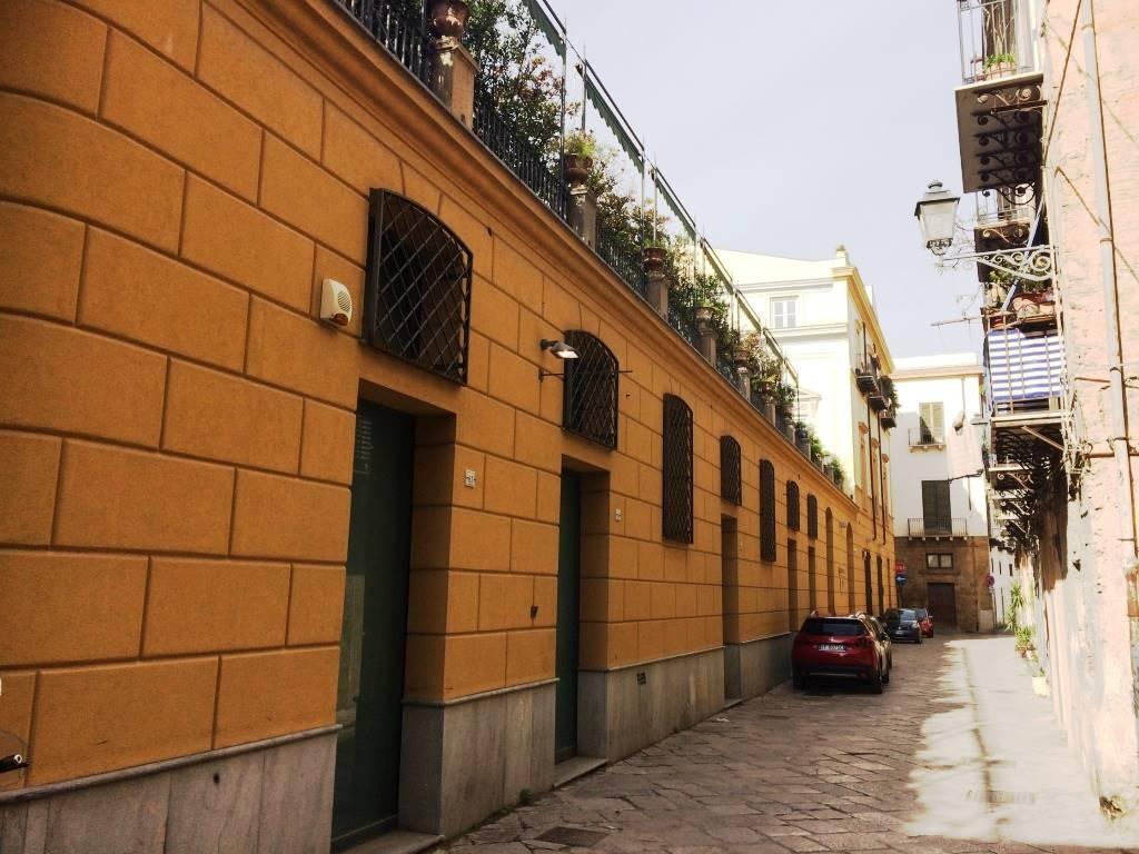 Palazzo / Stabile in vendita a Palermo, 7 locali, zona Zona: Centro storico, prezzo € 260.000 | Cambio Casa.it