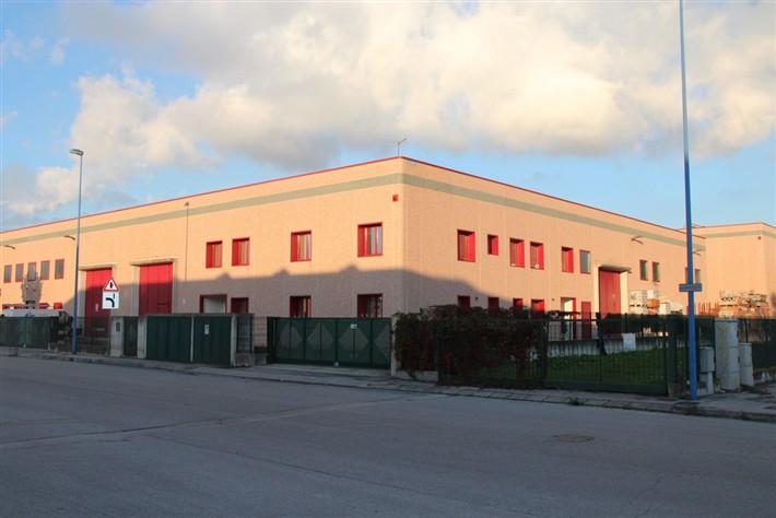 Capannone in vendita a Carmignano di Brenta, 9999 locali, prezzo € 950.000 | Cambio Casa.it
