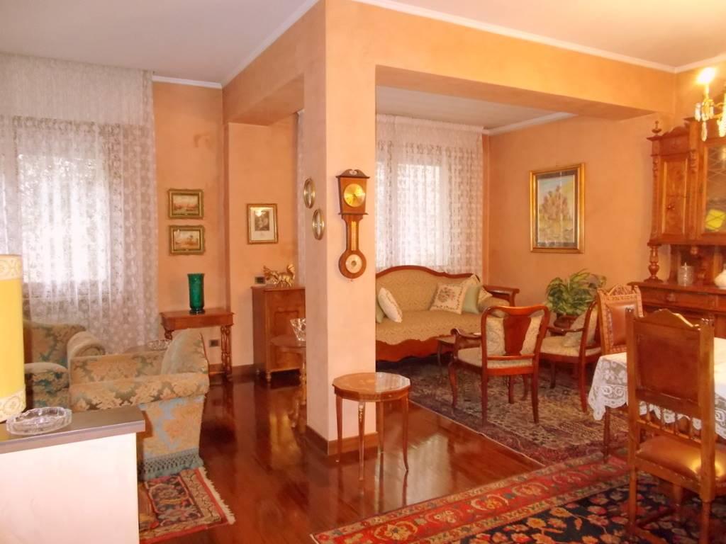 Soluzione Indipendente in vendita a Padova, 9 locali, zona Zona: 5 . Sud-Ovest (Armistizio-Savonarola), prezzo € 950.000   Cambio Casa.it