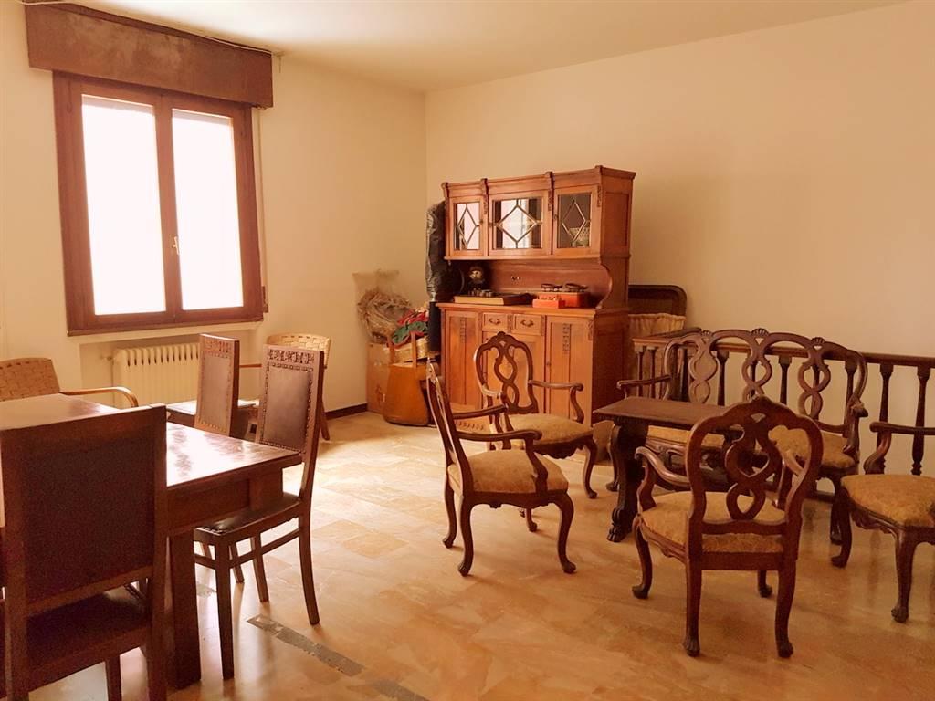Appartamento in vendita a Padova, 5 locali, zona Zona: 6 . Ovest (Brentella-Valsugana), prezzo € 165.000 | Cambio Casa.it