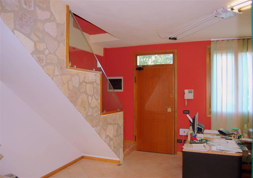 Soluzione Semindipendente in vendita a Padova, 4 locali, zona Zona: 5 . Sud-Ovest (Armistizio-Savonarola), prezzo € 310.000 | Cambio Casa.it