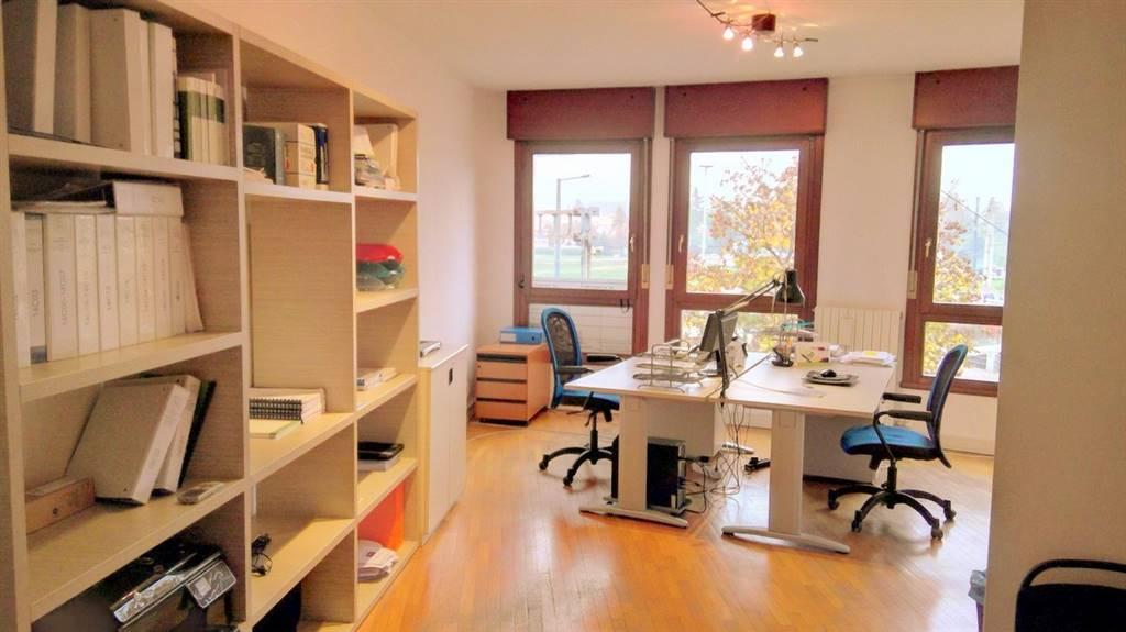 Ufficio / Studio in affitto a Padova, 4 locali, zona Zona: 5 . Sud-Ovest (Armistizio-Savonarola), prezzo € 750   Cambio Casa.it