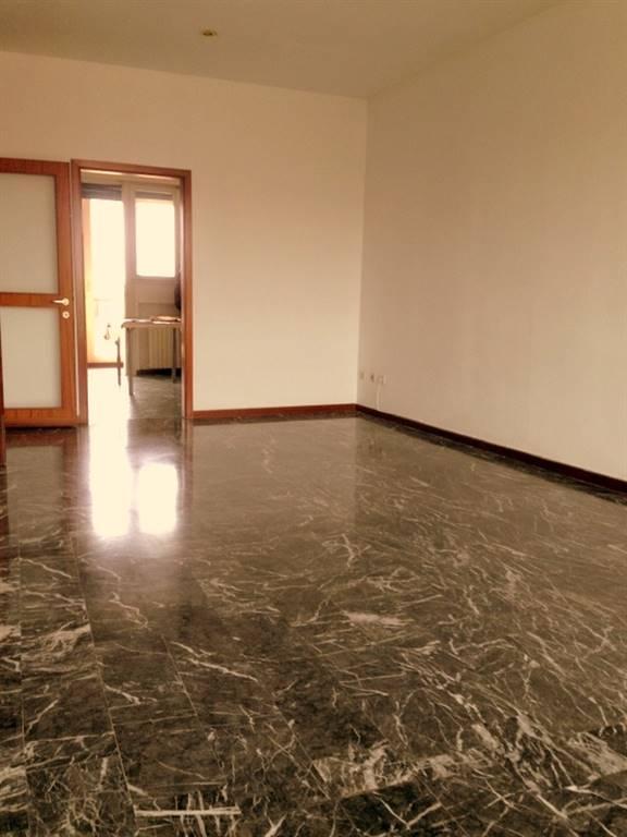 Appartamento in vendita a Padova, 7 locali, zona Zona: 2 . Nord (Arcella, S.Carlo, Pontevigodarzere), prezzo € 130.000 | CambioCasa.it