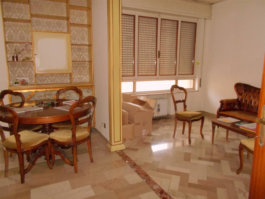Appartamento in vendita a Padova, 3 locali, zona Zona: 5 . Sud-Ovest (Armistizio-Savonarola), prezzo € 130.000   Cambio Casa.it