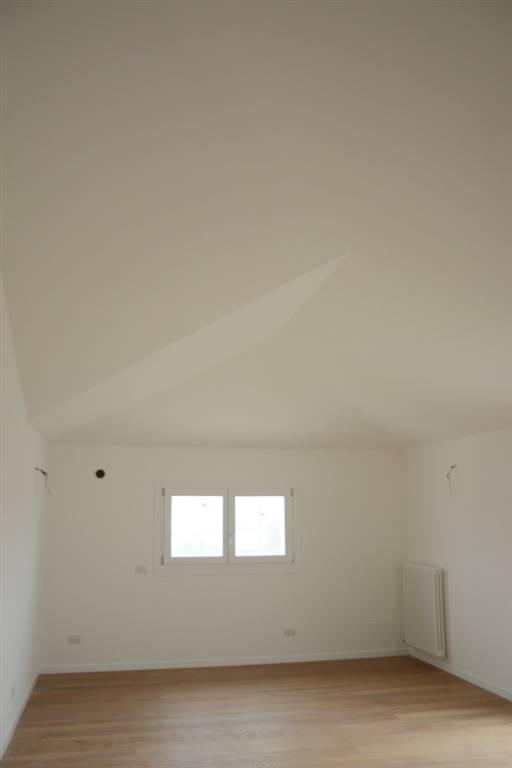 Appartamento in vendita a Padova, 5 locali, zona Zona: 2 . Nord (Arcella, S.Carlo, Pontevigodarzere), prezzo € 288.000 | CambioCasa.it