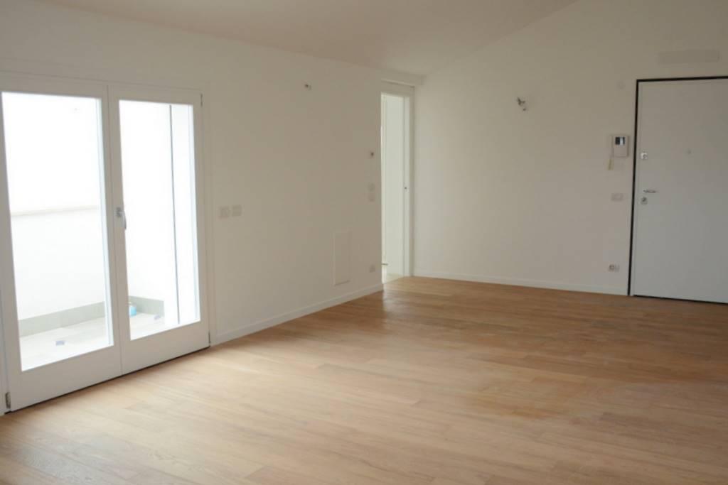 Soluzione Indipendente in vendita a Padova, 5 locali, zona Località: TORRE, prezzo € 475.000   Cambio Casa.it