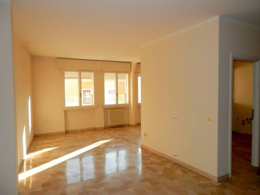 Appartamento in vendita a Padova, 5 locali, zona Zona: 1 . Centro, prezzo € 295.000 | CambioCasa.it