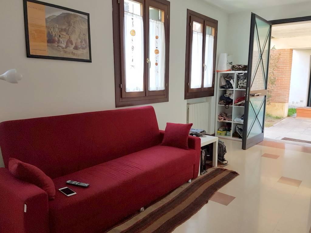 Soluzione Indipendente in affitto a Padova, 3 locali, zona Zona: 1 . Centro, prezzo € 1.050 | Cambio Casa.it