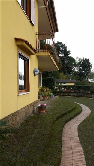 Villa in vendita a Salerno, 5 locali, zona Località: GIOVI, Trattative riservate | Cambio Casa.it
