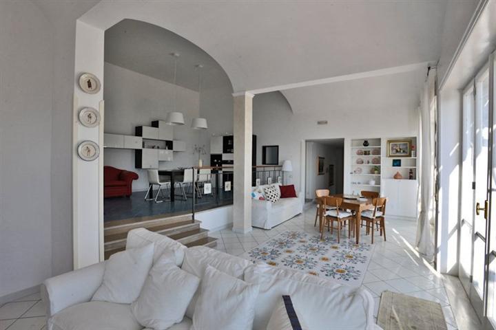 Villa in Vendita a Vietri sul Mare
