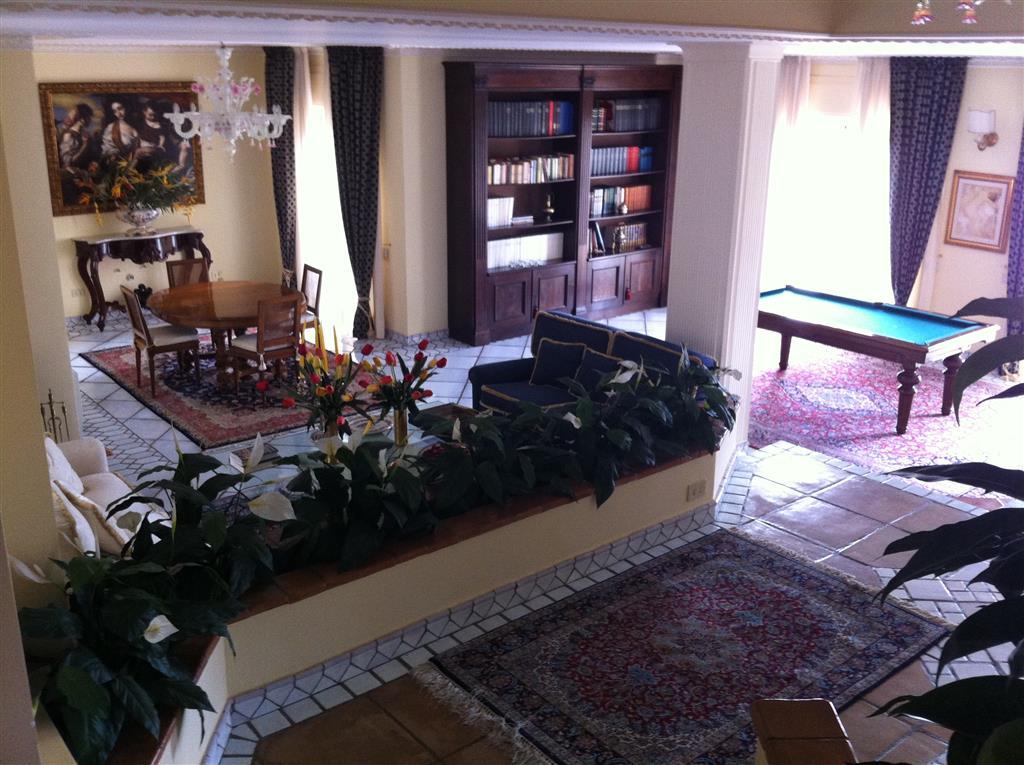 Villa in vendita a Salerno, 6 locali, zona Zona: Sala Abbagnano, Trattative riservate | Cambio Casa.it