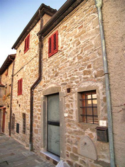 Villa-Villetta  in Vendita a Loro Ciuffenna