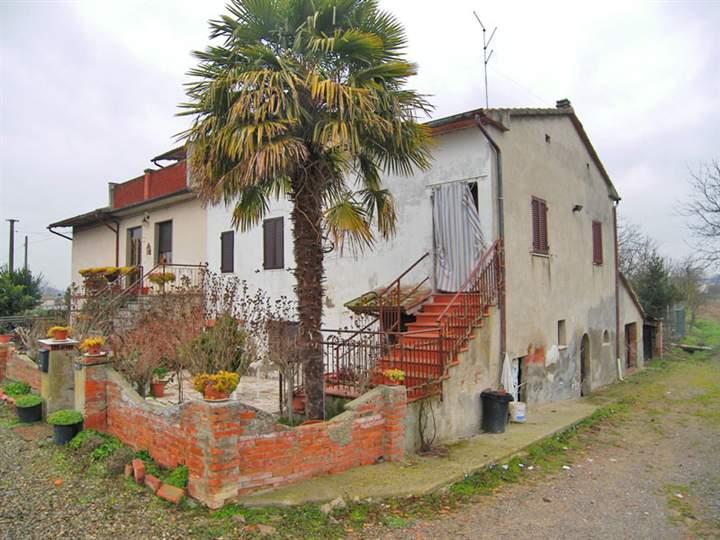 Casa  in Vendita a Lucignano