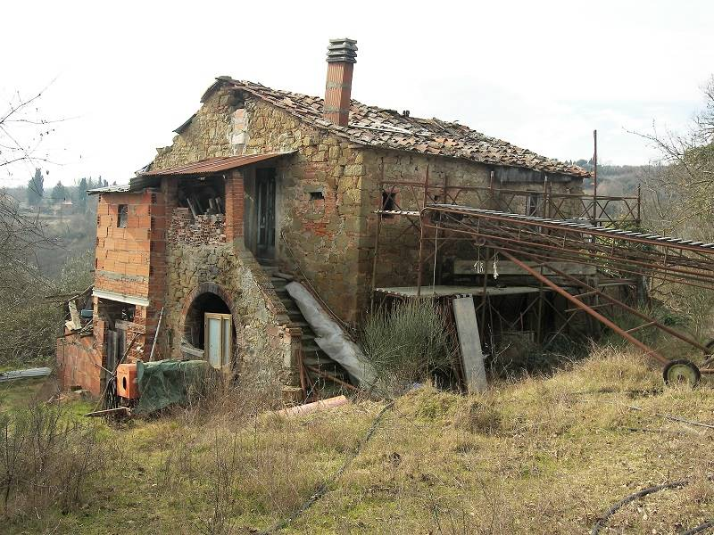 Rustico-casale  in Vendita a Monte San Savino