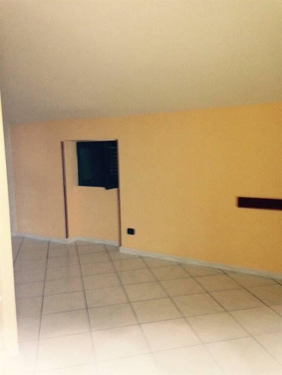 Appartamento in affitto a Pontecagnano Faiano, 3 locali, zona Zona: Pontecagnano, prezzo € 450 | CambioCasa.it