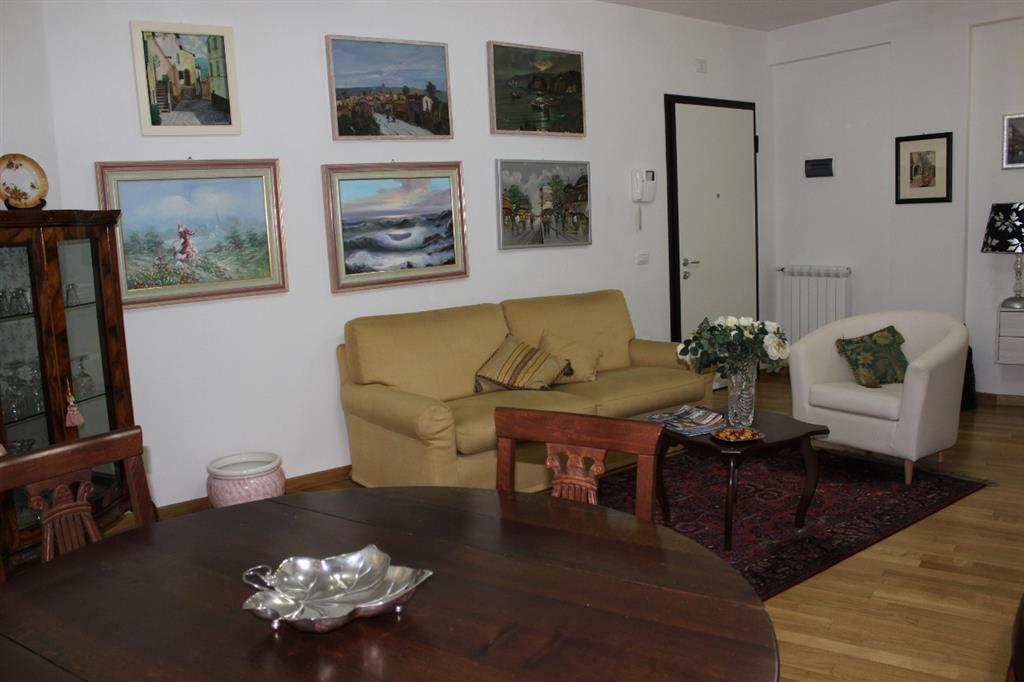 Appartamento in vendita a Grosseto, 4 locali, zona Località: CENTRO CITTÀ, prezzo € 225.000   CambioCasa.it