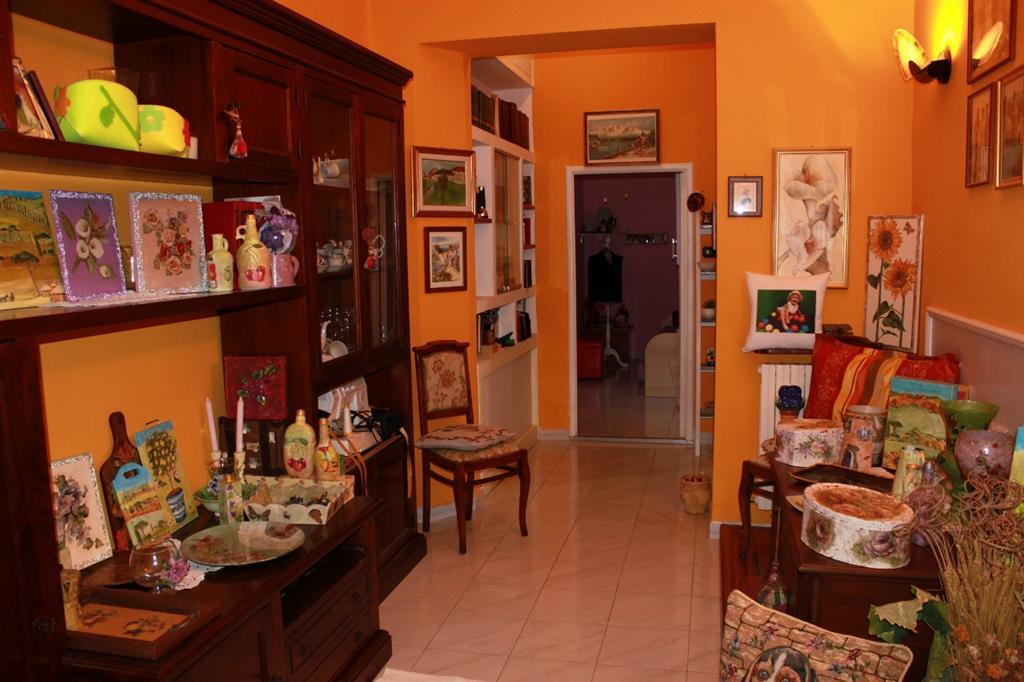 Appartamento in vendita a Grosseto, 4 locali, zona Località: CENTRO CITTÀ, prezzo € 138.000 | Cambio Casa.it