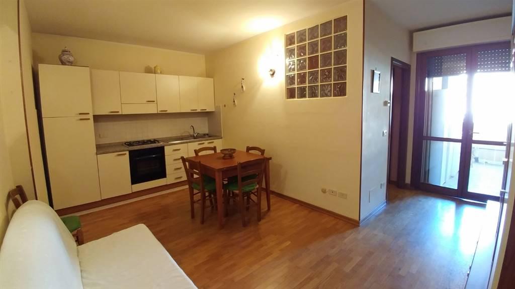 Appartamento in vendita a Grosseto, 2 locali, zona Località: TRIBUNALE, prezzo € 104.000 | CambioCasa.it