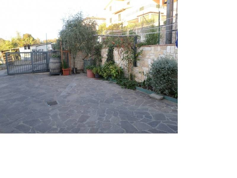 Appartamento in vendita a Roccastrada, 7 locali, zona Località: STICCIANO SCALO, prezzo € 220.000   CambioCasa.it