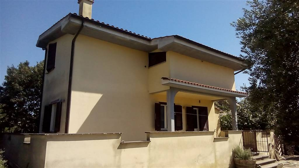 Villa-Villetta  in Vendita a Anguillara Sabazia