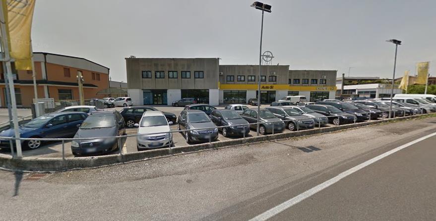 Immobile Commerciale in affitto a Borgo Virgilio, 10 locali, zona Località: CERESE, prezzo € 7.000   CambioCasa.it