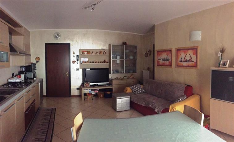 Appartamento in vendita a Curtatone, 3 locali, zona Località: BUSCOLDO, prezzo € 103.000 | CambioCasa.it