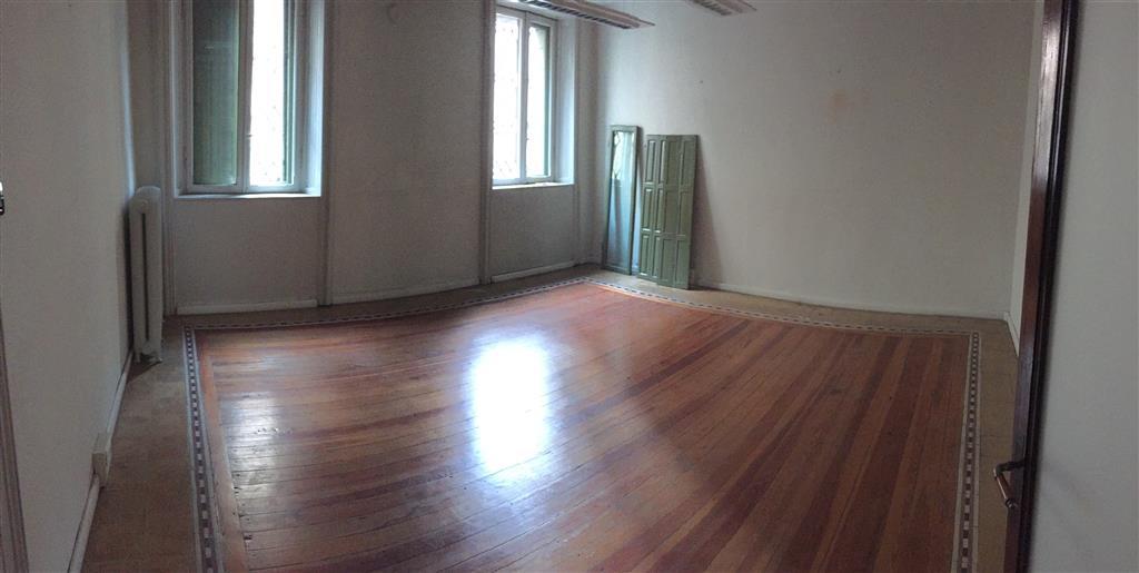 Ufficio / Studio in affitto a Mantova, 6 locali, zona Zona: Centro storico, prezzo € 600   CambioCasa.it