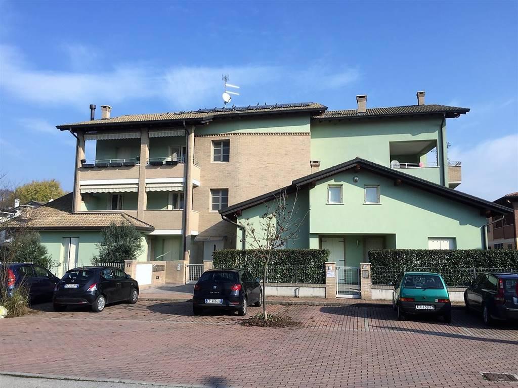 Appartamento in vendita a Curtatone, 5 locali, zona Zona: Levata, prezzo € 132.000 | CambioCasa.it