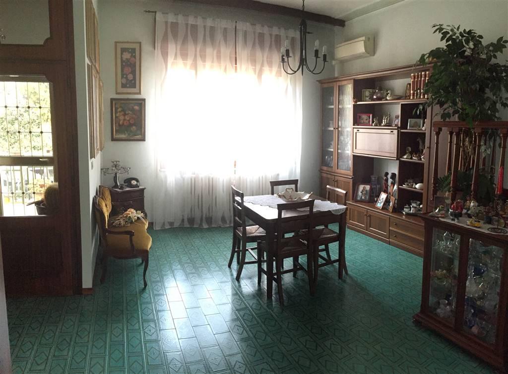 Soluzione Indipendente in vendita a Curtatone, 6 locali, zona Zona: Levata, prezzo € 260.000 | CambioCasa.it