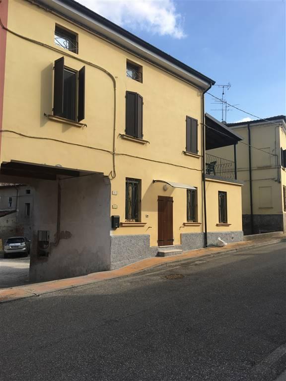 Soluzione Semindipendente in Affitto a Borgo Virgilio