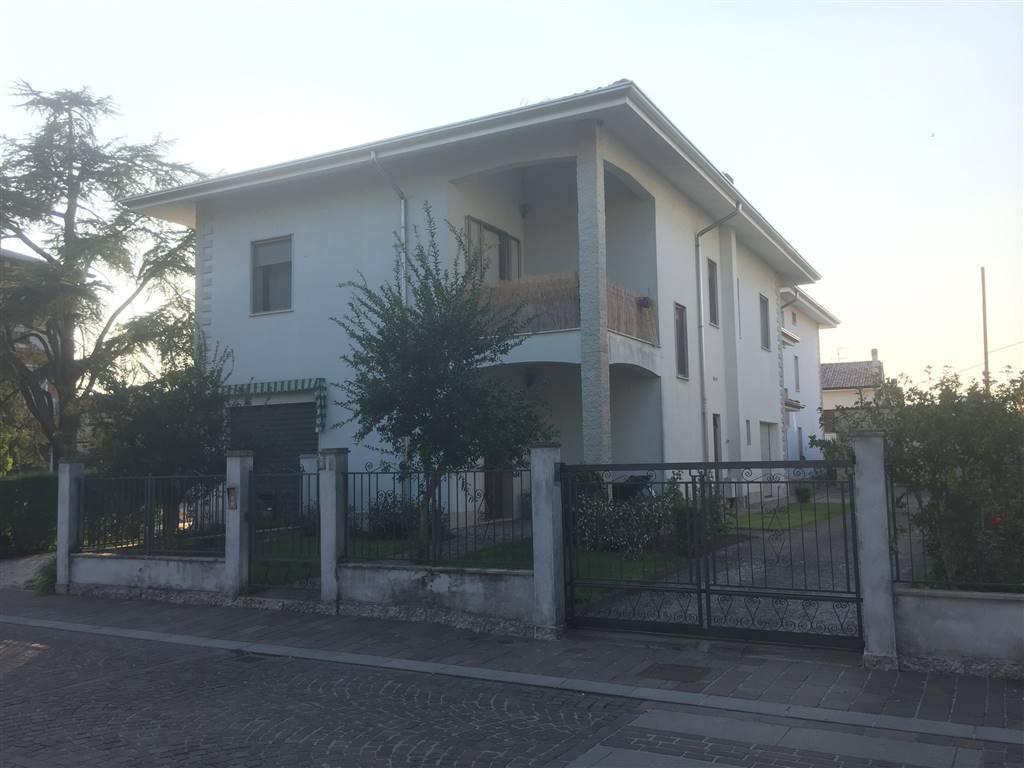 Soluzione Indipendente in affitto a Curtatone, 4 locali, zona Località: SAN SILVESTRO, prezzo € 600 | CambioCasa.it