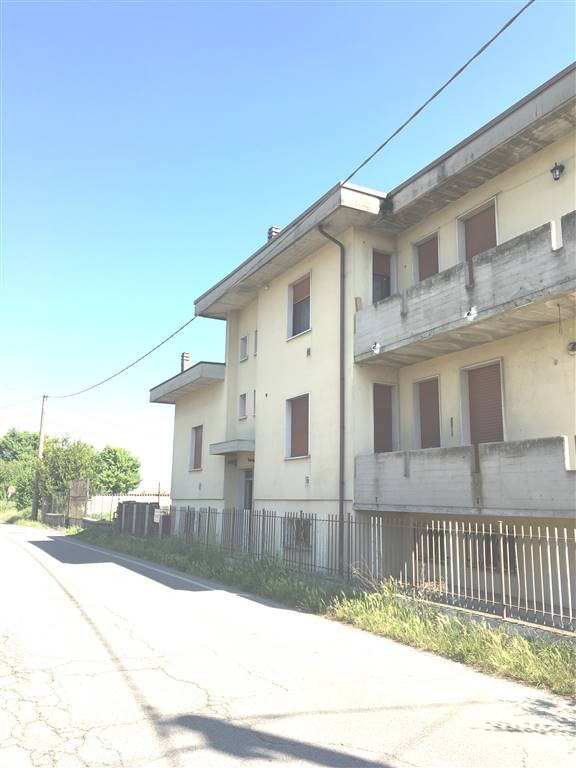 Appartamento in vendita a Marcaria, 2 locali, zona Zona: Campitello, prezzo € 18.000 | CambioCasa.it
