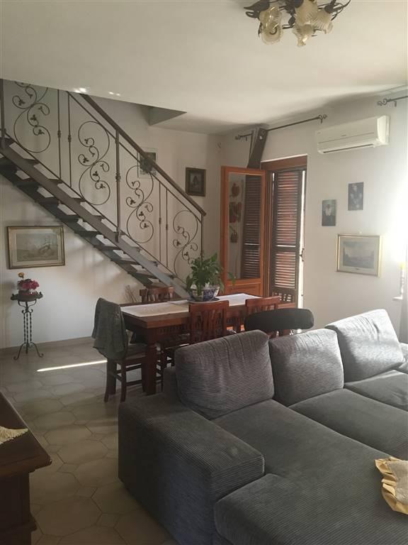 Soluzione Indipendente in affitto a Borgo Virgilio, 4 locali, zona Località: FRAZIONI: CAPPELLETTA, prezzo € 420 | CambioCasa.it
