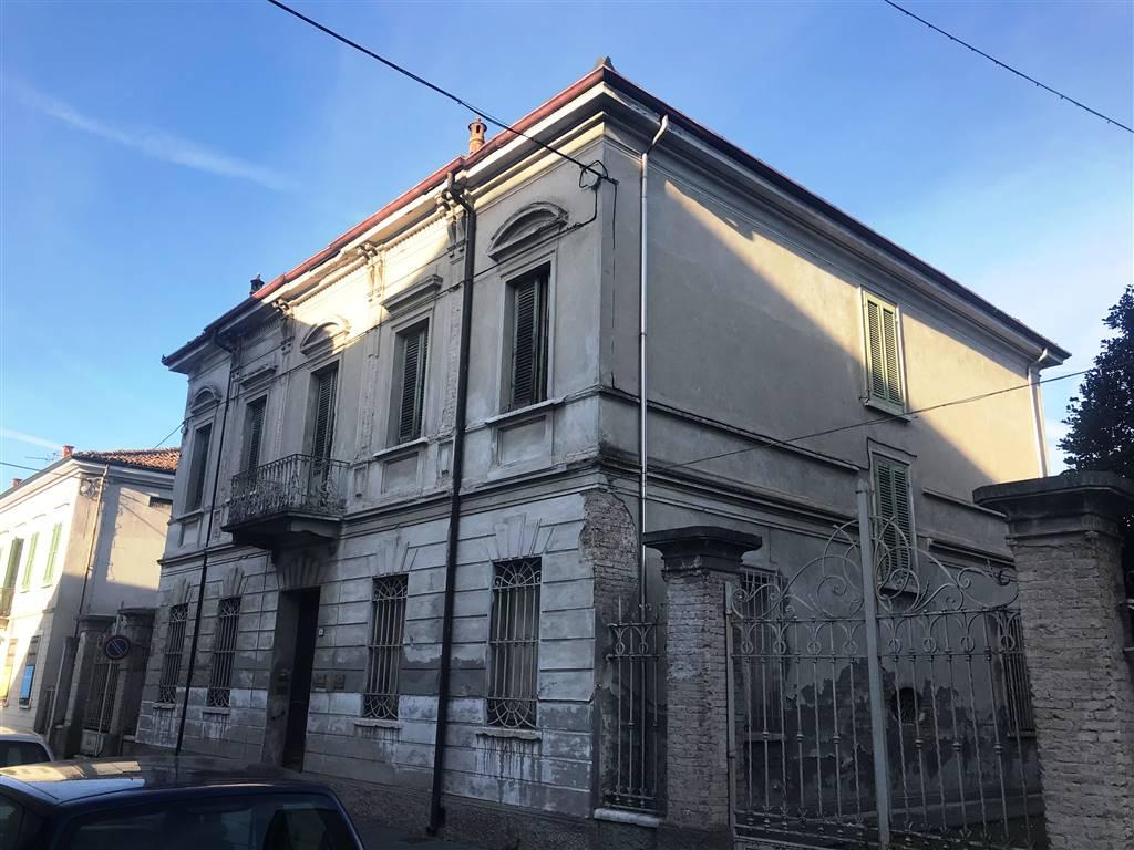 Palazzo-stabile Vendita Suzzara