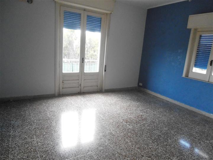 Appartamento in vendita a Augusta, 3 locali, prezzo € 70.000 | Cambio Casa.it