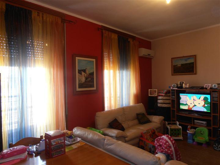 Appartamento in vendita a Augusta, 3 locali, prezzo € 75.000   Cambio Casa.it
