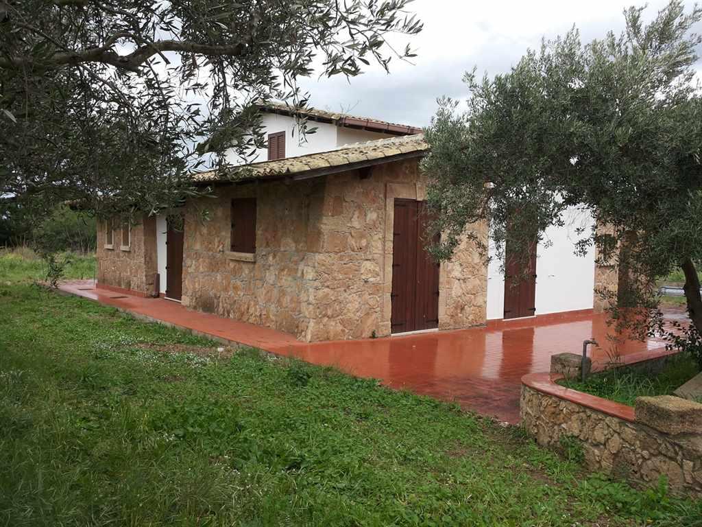 Soluzione Indipendente in vendita a Augusta, 5 locali, prezzo € 290.000 | Cambio Casa.it