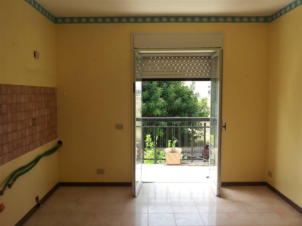 Appartamento in affitto a Melilli, 4 locali, zona Zona: Villasmundo, prezzo € 350 | Cambio Casa.it