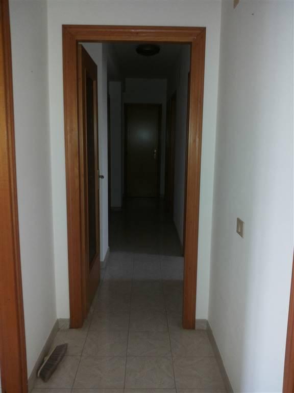 Appartamento in vendita a Melilli, 4 locali, zona Zona: Villasmundo, prezzo € 58.000 | CambioCasa.it