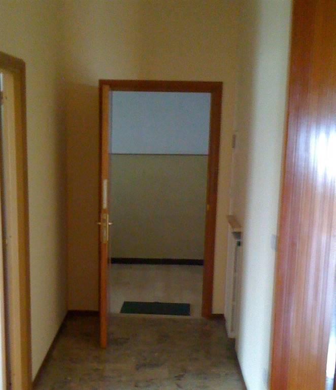 Appartamento in vendita a Cornaredo, 3 locali, zona Zona: San Pietro all'Olmo, prezzo € 165.000   CambioCasa.it