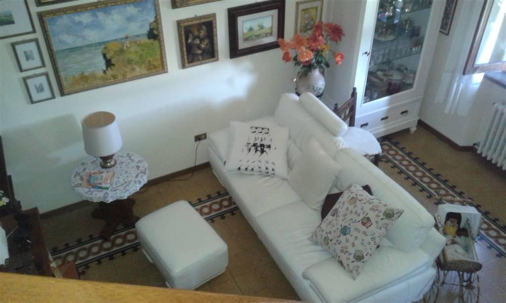 Appartamento in vendita a Forte dei Marmi, 4 locali, zona Zona: Centro, prezzo € 950.000 | CambioCasa.it