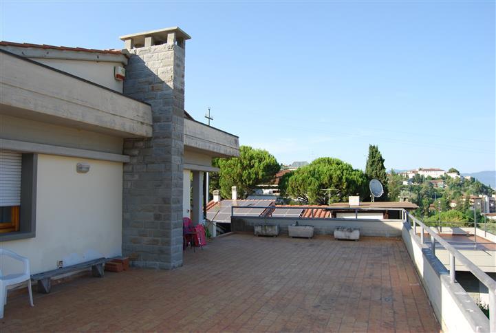 Villa in vendita a Lastra a Signa, 10 locali, zona Zona: Ponte a Signa, prezzo € 850.000 | Cambio Casa.it