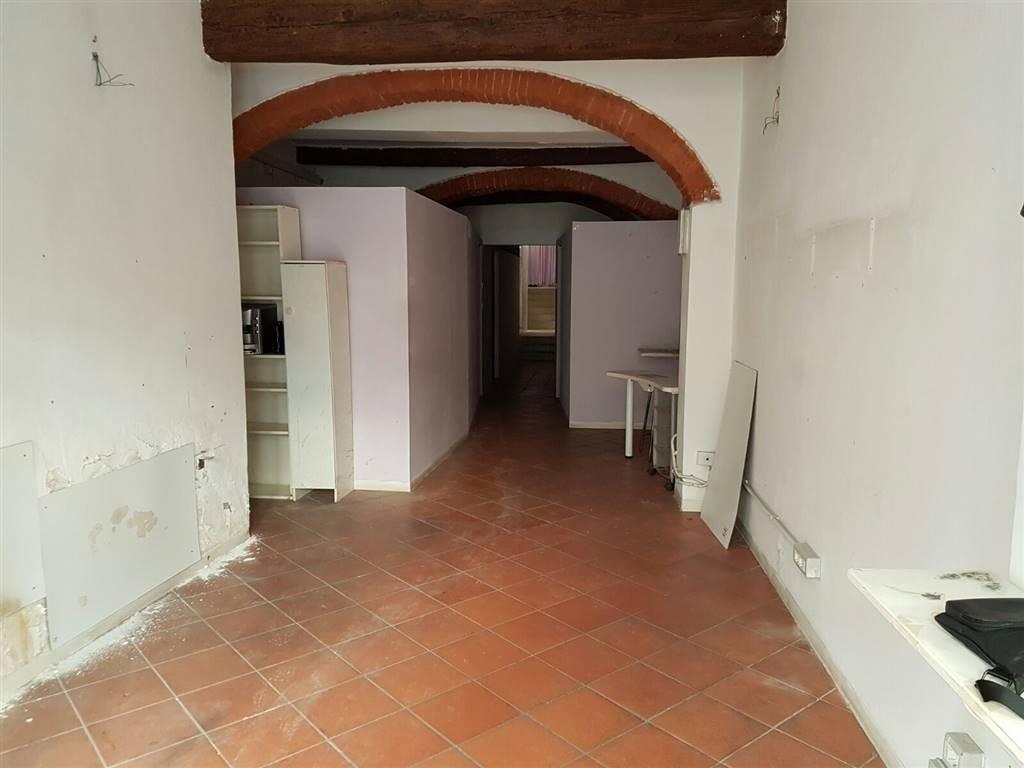 Attività / Licenza in affitto a Firenze, 2 locali, zona Località: OLTRARNO, prezzo € 2.000 | CambioCasa.it